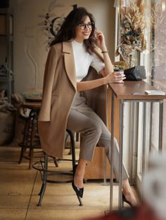 Charming Blazer Outfit ideas Make You Fashionable blazeroutfit blazeroutfitideas womanblazeroutfit – Trendy Fashion Ideas 650207264937672296 Stylish Work Outfits, Business Casual Outfits, Professional Outfits, Office Outfits, Mode Outfits, Fashion Outfits, Fashion Ideas, Womens Blazer Fashion, Classy Chic Outfits