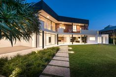A 1980s house gets a contemporary update by Hillam Architects