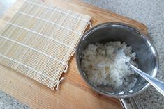 Zelf sushi maken is zo moeilijk nog niet! Grains, Food, Essen, Meals, Seeds, Yemek, Eten, Korn