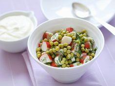 Erbsen-Surimi-Salat mit Dill ist ein Rezept mit frischen Zutaten aus der Kategorie Gemüsesalat. Probieren Sie dieses und weitere Rezepte von EAT SMARTER!