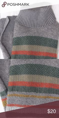 BANANA REPUBLIC Boho Style Sweater/Tunic SZ XS - relaxed loose fit could go anywhere from an XS to M. Really warm, basic wide striped pattern in burnt orange, olive green, mustard yellow and cream giving it an amazing retro vibe. Also a bit longer making it wearable as a sweater with jeans or a tunic with leggings. Slits on both sides of Sweater to avoid stretching. EUC - only worn twice. Banana Republic Sweaters Cowl & Turtlenecks