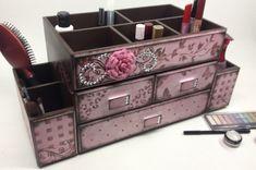 Organizador de Maquiagem Primavera Rosa no 3d Paper Projects, Diy Projects, Diy Painting, Painting On Wood, Toy Workshop, Tatami Room, Stationary Box, Diy Storage Boxes, Cute Stationery