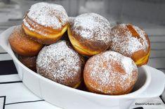 Gogosi berlineze pufoase - reteta germana de Berliner Krapfen | Savori Urbane Churros, Romanian Desserts, Pretzel Bites, Doughnut, Hamburger, Sweets, Sugar, Bread, Cookies