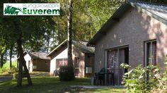 Bungalowpark Euverem   Breng je vakantie door bij bungalowpark Euverem in Zuid-Limburg en geniet van het mooie wat de omgeving te bieden heeft. Je kunt een vier- of zespersoons bungalow boeken