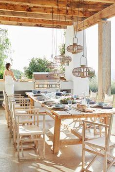 Casual finca in Ibiza - Gartenlaube - Outdoor Kitchen Spanish Style Homes, Spanish House, Spanish Colonial, Ibiza Style Interior, Hotel Ibiza, Simple Home Decoration, Diy Outdoor Kitchen, Outdoor Kitchens, Stone Kitchen