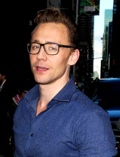 Tom Hiddleston. (http://30secondstonetflix.tumblr.com/post/139076174030/80-pictures-of-tom-hiddleston )