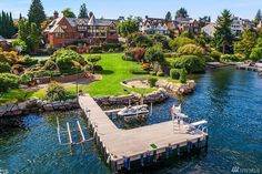 Dream House: Historic Seattle Waterfront (24 Photos)