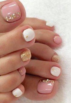 Nail designs 55 Ideen Spring Pedicure Ideas Zehennägel Style How To Waterproof A Ca Toe Nail Color, Toe Nail Art, Nail Colors, Pretty Toe Nails, Cute Toe Nails, Gold Toe Nails, Gold Nail, Gorgeous Nails, Dark Nails
