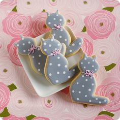 Hello (polka dot) Kitty! {cookies}