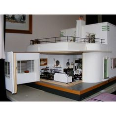 An Art Deco Dolls House made and furnished by Artisans