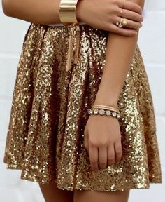 gold Sequin skirt perfect for your next party. Gold accessories all the way. date night outfit idea. gold Sequin skirt perfect for your next party. Gold accessories all the way. date night outfit idea. Gold Sequin Skirt, Gold Sequins, Gold Skirt Outfit, Sequin Outfit, Sparkly Skirt, Sparkle Outfit, Gold Sequin Dress, Gold Gold, Skirt Outfits