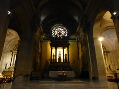 Interior de la iglesia Notre Dame de Liesse, Annecy, Francia