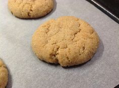 VÍKENDOVÉ PEČENÍ: Banánové cookies s burákovým máslem