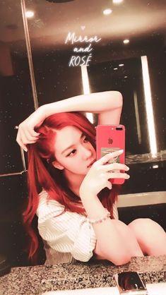 i'm gay uwu Kim Jennie, Yg Entertainment, Kpop Girl Groups, Kpop Girls, K Pop, Foto Rose, Rose Park, Black Pink Kpop, Blackpink And Bts