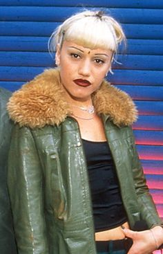 Style Icons #40  Gwen Stefani in the 90s - before she went all weird Pop/R'n'B.