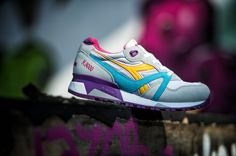 Retrò running model coming strightly from the original 90' catalog , the N9000 is a must-have of the Diadora spring / summer collection.  The sole and the fabric materials, which faithfully reproduce the original construction, give to the shoe a confortable fitting .
