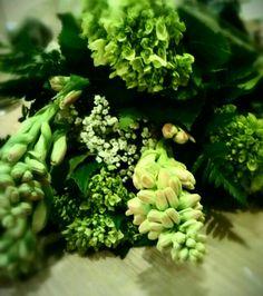 Green bouquet!     #emerald #flowers #rose #green