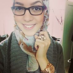 the floral, the green, the glasses...LOVE IT!!  #hijabi #hijab