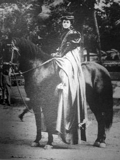 Pinned by driftersblog.com | My great grandmother Kaleponi Kalalawai'a Hulu was known for her love of three traditional Hawaiian pastimes: One of them was horseback riding along the shores of eastern Molokai. Here is a shot of a Hawaiian Lady (Pa'u Rider.)