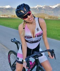 As a beginner mountain cyclist, it is quite natural for you to get a bit overloaded with all the mtb devices that you see in a bike shop or shop. There are numerous types of mountain bike accessori… Bicycle Women, Road Bike Women, Bicycle Girl, Cycle Chic, Radler, Cycling Girls, Bike Style, Sporty Girls, Biker Girl