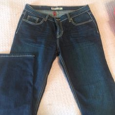 Buckle jeans Like new fits like a 14 Buckle Jeans Boot Cut