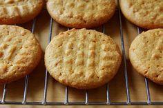 Peanut Butter Cookies (17 Marijuana Snacks To Eat During The Stoner Bowl)