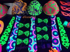 Neon Lights Party, Neon Party, Diy Party, Party Gifts, Party Ideas, Pop Art Party, Paint Party, 80th Birthday, Birthday Parties