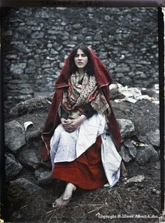 A gypsy women in Ireland, c. 1900s. Photograph by Albert Khan
