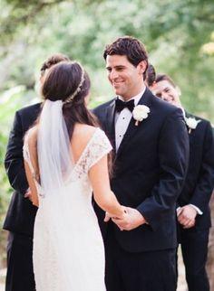 this site has amazing wedding veils. LOVE
