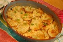 Creamy Colorado Potato, Onion, Pippin (or or Granny Smith) Apple (or Pear), Gorgonzola (or Blue Cheese), and Parmesan Gratin Cajun Dishes, Food Dishes, Vegetable Side Dishes, Vegetable Recipes, Deer Steak, Paul Prudhomme, Chef Paul, Magic Recipe, Cheese Potatoes