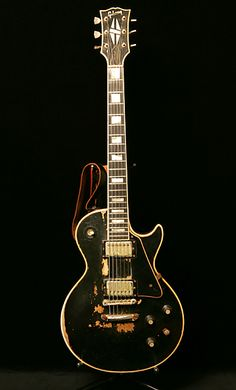 Gibson Lp, Gibson Guitars, Gibson Les Paul, Fender Stratocaster, Eric Clapton, Les Paul Guitars, Les Paul Custom, Guitar Collection, Beautiful Guitars