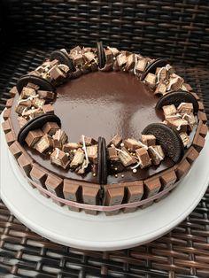 Chocolate cake design.