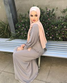 Uploaded by Find images and videos about fashion, outfit and hijab on We Heart It - the app to get lost in what you love. Modern Hijab Fashion, Abaya Fashion, Muslim Fashion, Modest Fashion, Fashion Outfits, Fast Fashion, Abaya Mode, Mode Hijab, Casual Hijab Outfit