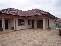 Pergola For Small Backyard House Roof Design, House Outside Design, Flat Roof House, Village House Design, Small House Design, Facade House, Tuscan House Plans, My House Plans, Family House Plans