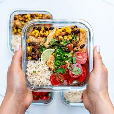 Mexi-Texi Chicken YUM Bowls #MealPrep Energy Bowls 💪 Raise your hand if you're #FoodPrep n' today!? Here's a fresh {new} idea for your Week! Makes 4 servings Ingredients: 1.5 lbs. boneless skinless chicken breasts, cut into bite sized pieces 2...