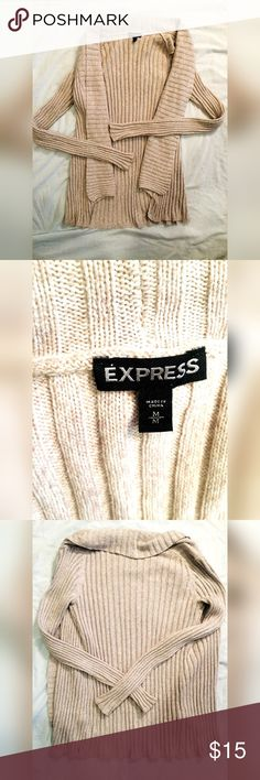 🎀Express🎀 Cream Shrug Size M 🎀Express🎀 Camel Shrug size medium! ⭐️PERFECT CONDITION⭐️ Very warm and cozy yet not too heavy! Goes with everything! Great as casual wear or wear to work! 🎉 Express Sweaters Shrugs & Ponchos