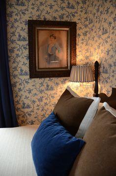 Home Interior Salas .Home Interior Salas Cozy Bedroom, Bedroom Decor, Bedroom Table, Bedroom Signs, Bath Decor, Bedroom Apartment, Bed Room, Bedroom Ideas, Cottage Wallpaper