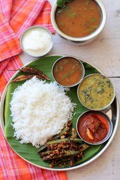 south indian rasam recipe Afghan Food Recipes, Veg Recipes, Indian Food Recipes, Vegetarian Recipes, Cooking Recipes, South Indian Rasam Recipe, South Indian Food, Veg Thali, Bengali Food