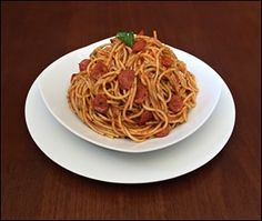 Restaurante Master - Espaguete ao Molho de Tomates e Linguiça Calabresa