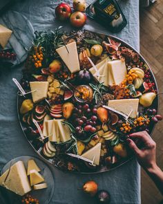 Excellent Photography Tips For Shooting Great Photos – Photography Fall Dinner Recipes, Fall Dessert Recipes, Fall Recipes, My Recipes, Appetizer Recipes, Food Platters, Cheese Platters, Cheese Table, Food N