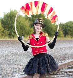 DIY Lion tamer circus costume (free sewing tutorial) // Cirkuszi oroszlánszelídítő jelmez (varrási útmutató) // Mindy - craft tutorial collection // #crafts #DIY #craftTutorial #tutorial