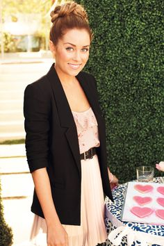 LC is so adorable! She always has the cutest hair and clothes. Gahhh!