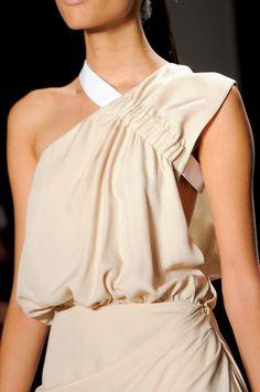 Cushnie et Ochs at New York Fashion Week Spring 2014 - Details Runway Photos