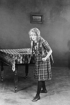 """Mary Pickford in """"Little Annie Rooney"""""""