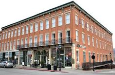 State's oldest hotel (DeSoto House) still bustling in Galena, Illinois - article