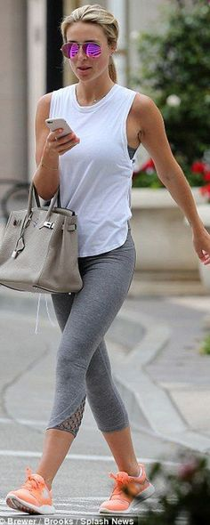 Trendy athleisure outfit: gray capri leggings with white workout top and neutral sports bra! #StreetStyle #Athleisure #gymoutfit