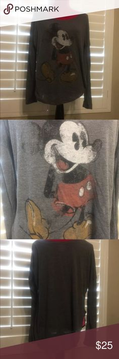 """Mickey Mouse Junk Food Long Sleeve T-shirt Medium MICKEY MOUSE Junky Food Oversized Disney Scoop Neck Heather Gray Tunic T-Shirt Size Medium  This Heather Gray Long Sleeve T-Shirt features a vintage Mickey.  It is a soft long sleeve tee with scoop neck that measure approximately 26"""" from armpit to armpit. junk food Tops Tees - Long Sleeve"""