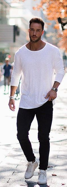 Simple and clean Street Outfit, Paris Street, Ps, Korean Fashion, Street Fashion, Men Sweater, Cool Outfits, Cool Clothes, K Fashion