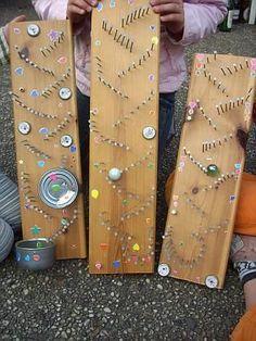 """Dino's magische Welt: Murmeln klimpern - tolle Murmelbahnen, die auch noch Töne erzeugen selbst machen Auch zu finden im Buch """"Bauklotz-Turm & Zollstock-Schiff"""" erschienen im Ökotopia Verlag http://www.amazon.de/Bauklotz-Turm-Zollstock-Schiff-Werk-Aktionen-Foto-Beispielen-Konstruieren/dp/3867022437/ref=la_B0045BD12Y_1_1?s=books&ie=UTF8&qid=1396288114&sr=1-1"""