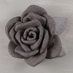 Felt Flowers, Diy Flowers, Fabric Flowers, Burlap Roses, Ideas Prácticas, Iris Van Herpen, Drawings Of Friends, Sewing Pillows, Mesh Wreaths